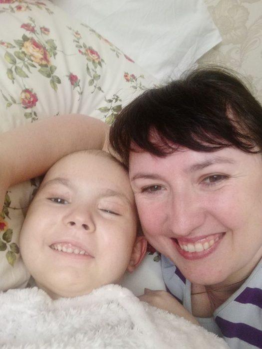 Наташа и Татьяна Ященко: ребенок умер от рака