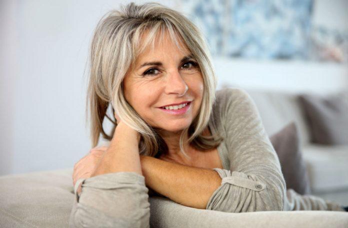 Жінка у віці за 50