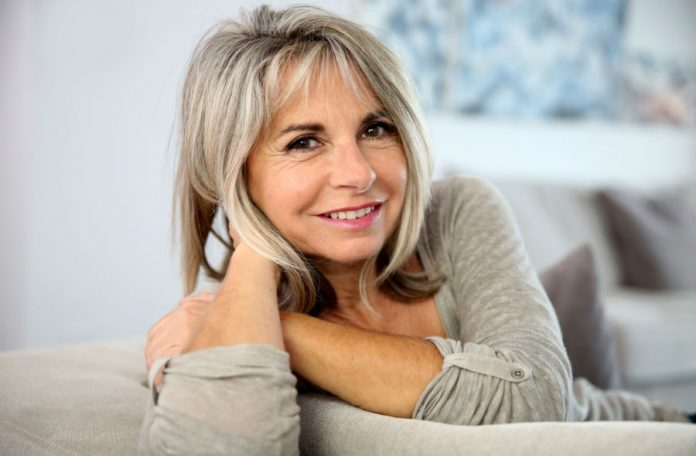 Женщина в возрасте за 50