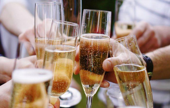 Вечірка з алкоголем