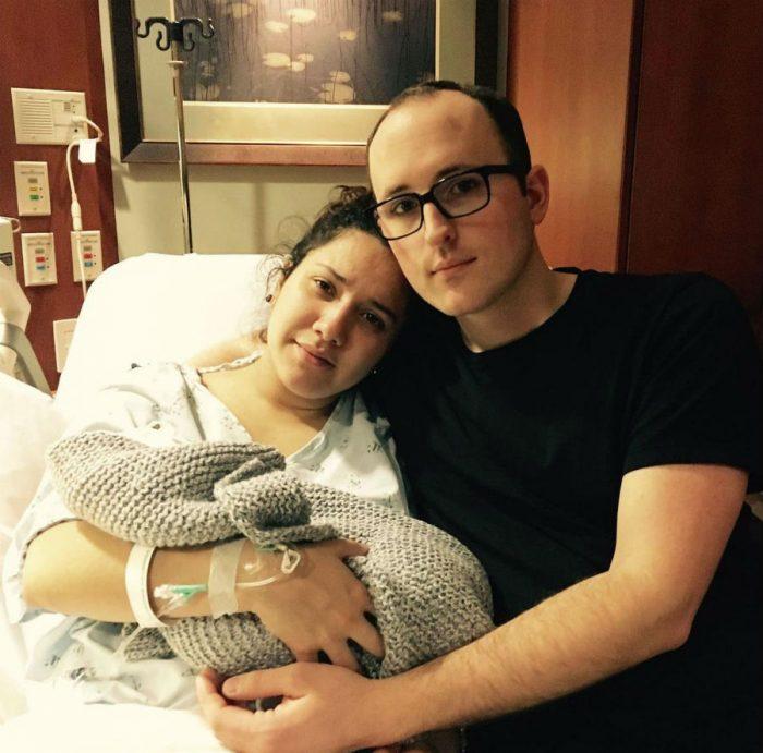 Сюзанна і її чоловік з їх метворожденним сином