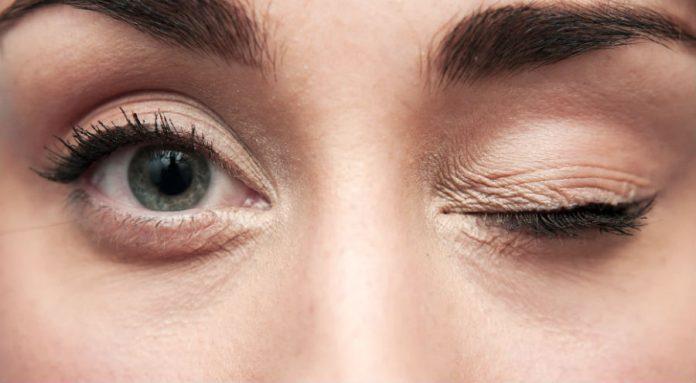 Нервный тик в глазу