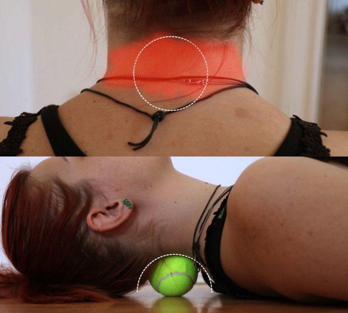 Теннисный мячик от боли в шее