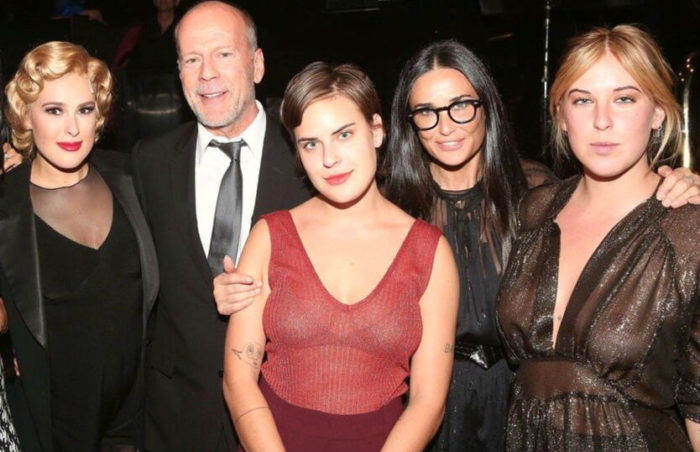 Брюс Уиллис и Деми Мур вместе со своими дочерьми
