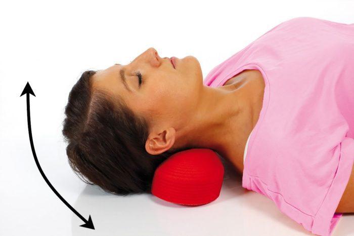Повороты головой лежа на спине