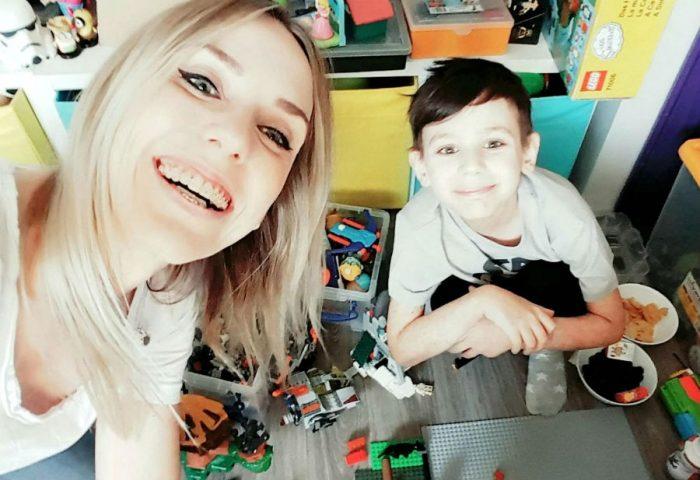Джулиан с мамой