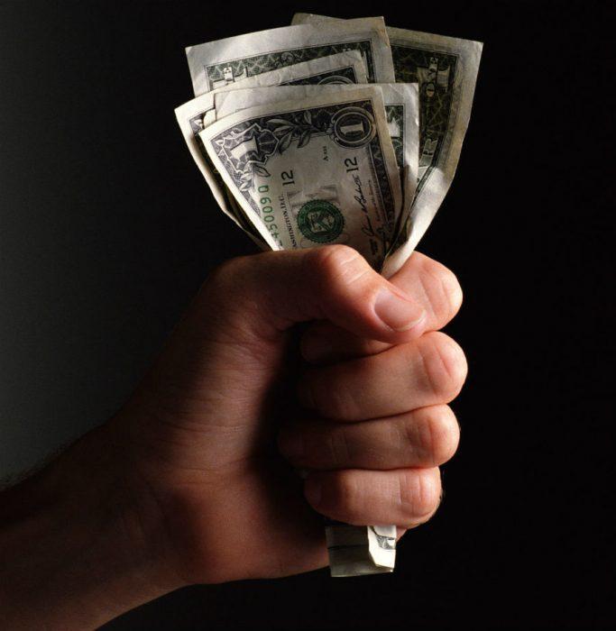 Руки чешутся далеко не всегда к деньгам