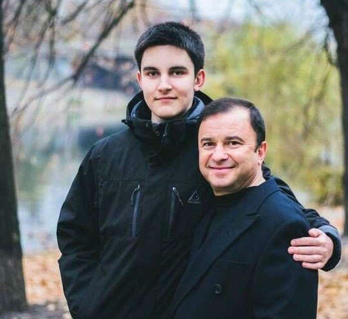 Виктор Павлик с онкобольным сыном Павлом