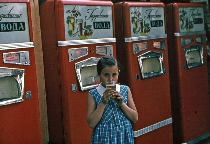 Особенно газировку из автоматов любили дети