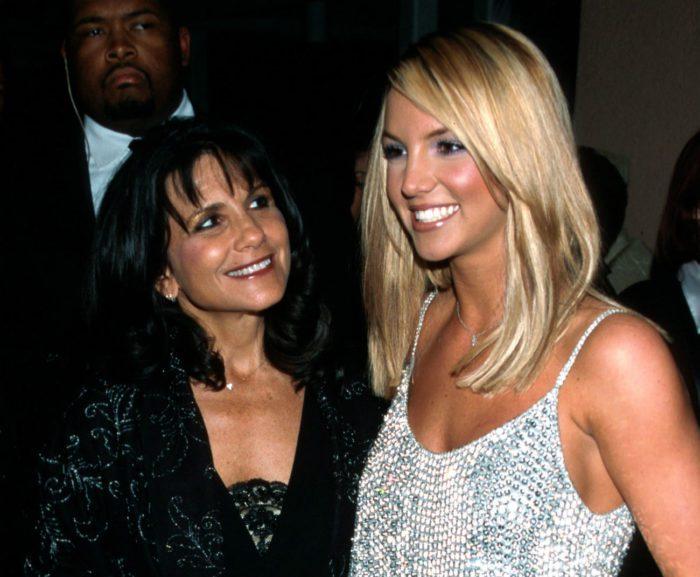 Бритни с матерью Линн