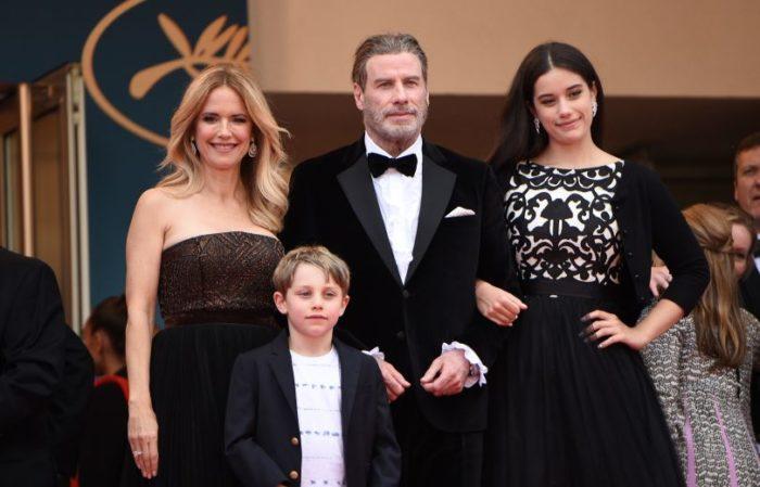 Джон Траволта с женой Келли Престон и их детьми