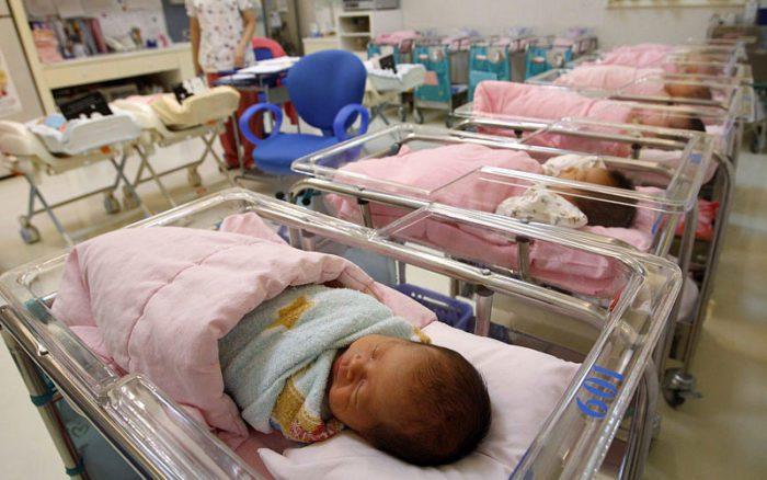 Малыши в роддоме