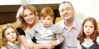 Костянтин Меладзе з колишньою дружиною Яною Сум та їхніми дітьми