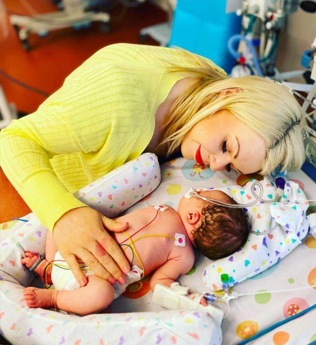 Шарлотта с дочкой