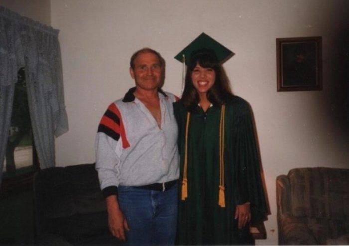 Мелисса со своим приемным отцом