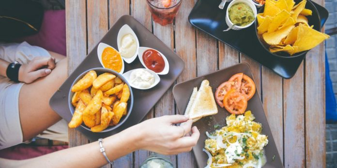 Популярні міфи про їжу