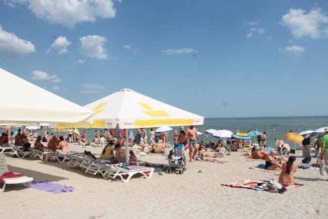 Пляжі Києва та Одеси