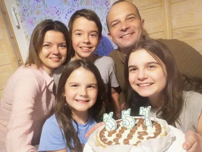 Маричка Падалко со своей семьей