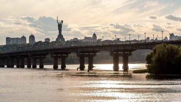 Мост Патона в столице страны