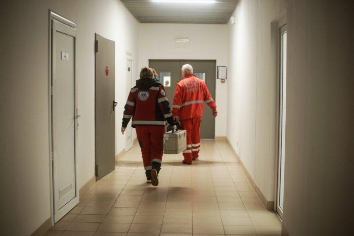 Працівники швидкої допомоги