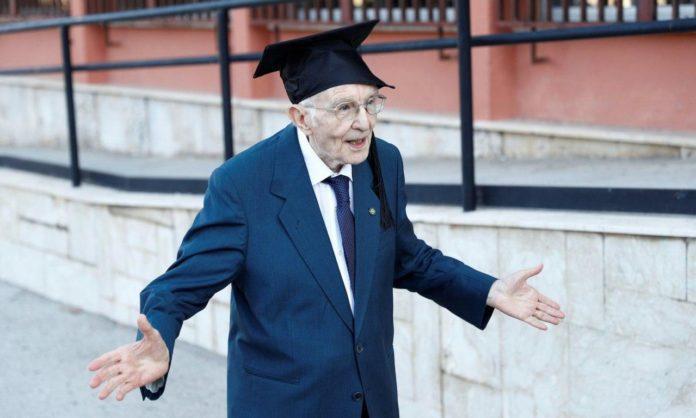 Джузеппе Патерно отримав довгоочікуваний диплом бакалавра
