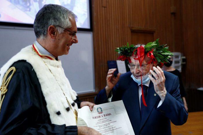 Вручение диплома Джузеппе