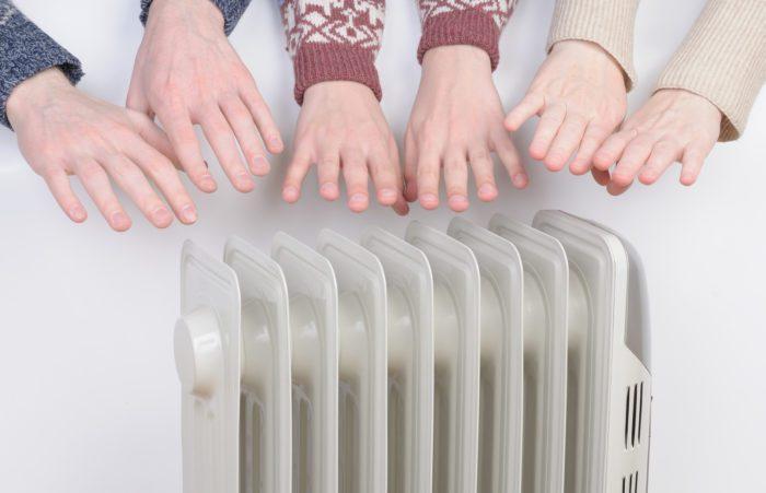 Если руки мерзнут зимой — это нормально