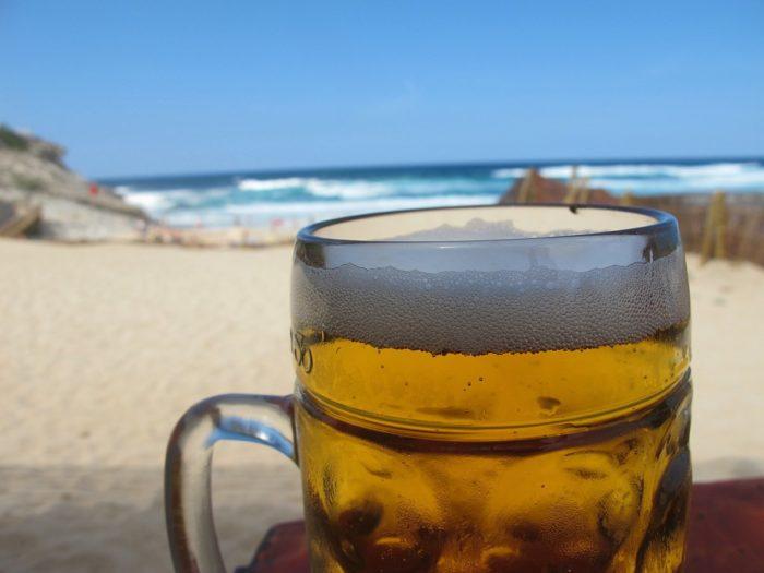 Спиртное на пляже — плохая идея