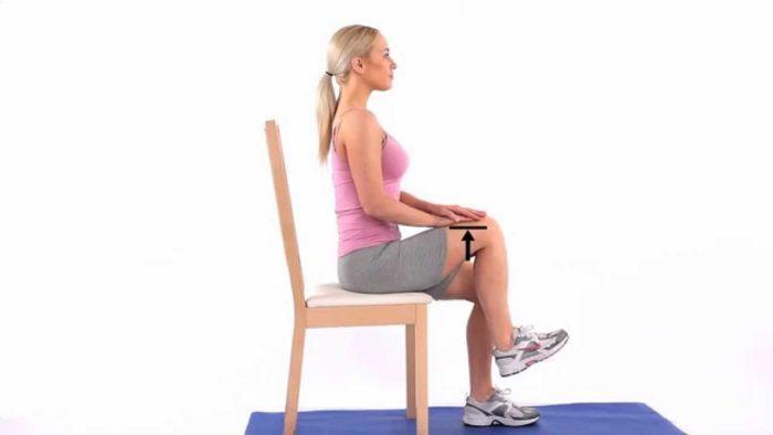 Шагание сидя на стуле