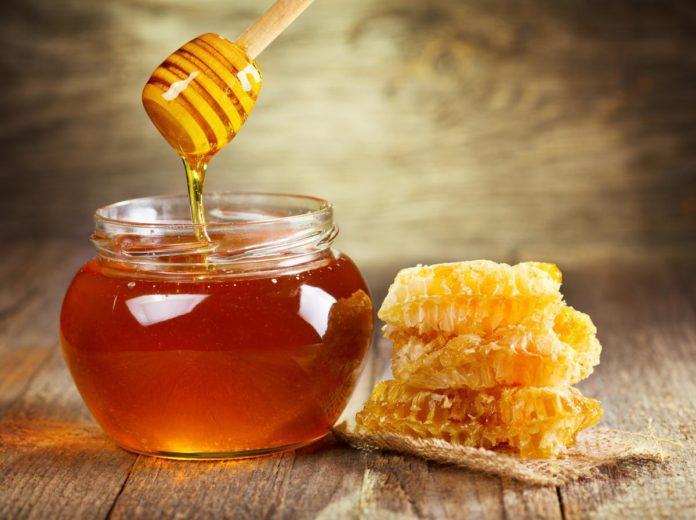 О пользе меда знали еще с древности