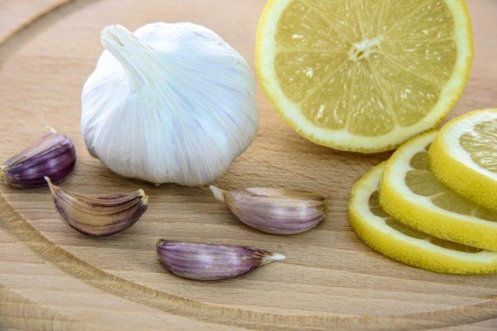Лимон і часник