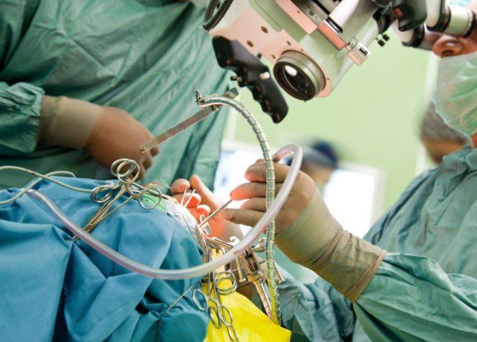 Операція на мозку